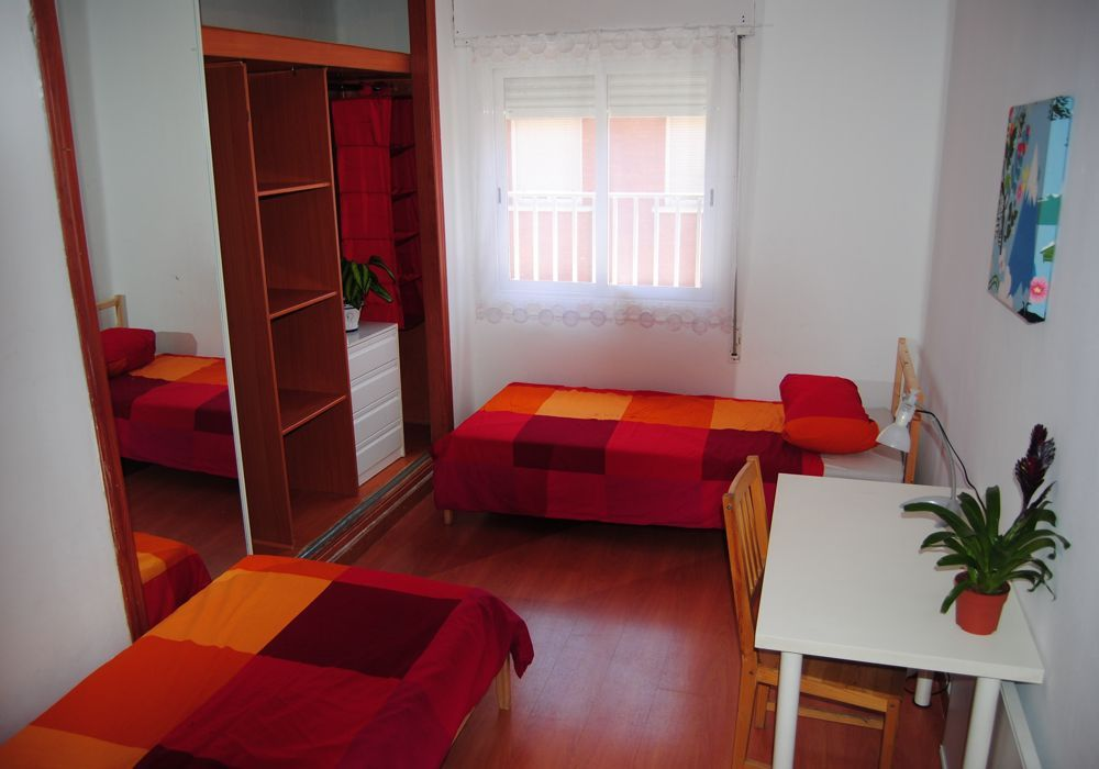 3 - double rooms available to rent in shared residences in madrid